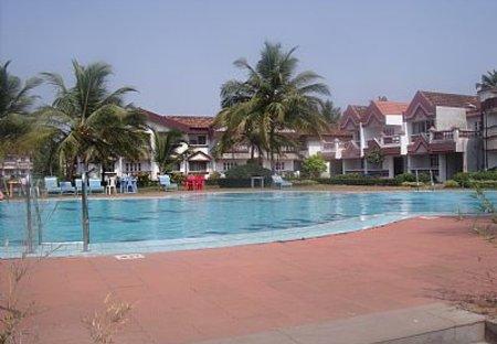 Apartment in Benaulim, India: Pool 1