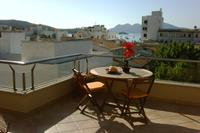 New Listing. Penthouse apartment, central located. Stunning views