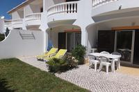 Apartment in Portugal, Burgau: Patio and garden