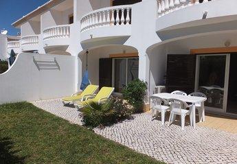 Apartment in Portugal, Montinhos da Luz: Patio and garden