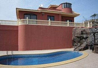 4 bedroom Villa for rent in Adeje, Tenerife