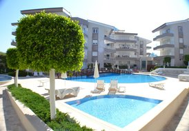 Self catering penthouse apartment at 5* Oasis Aparts