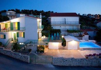Villa in Croatia, Razanj