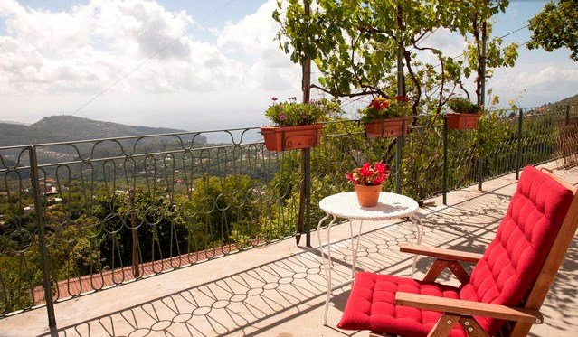 Owners abroad 1 bedroom studio apartment view sea view on Sorrento Coast