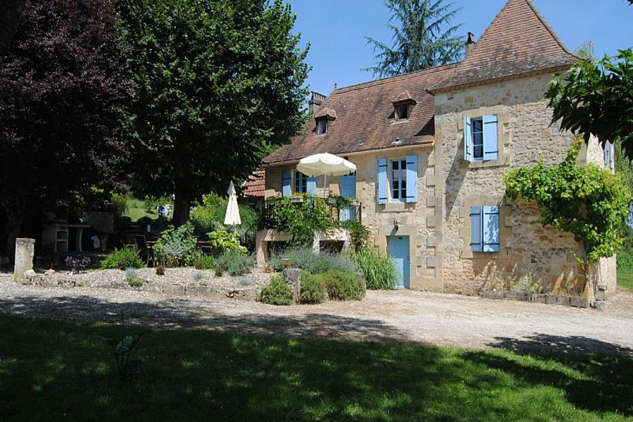 Villa in France, Lanquais: Beautiful farmhouse in large private grounds
