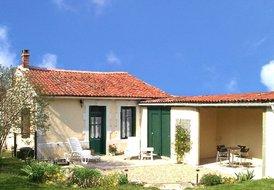 Cottage in Vinax, France