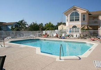 Apartment in USA, Villas at Island Club: The pool, just a nice size.