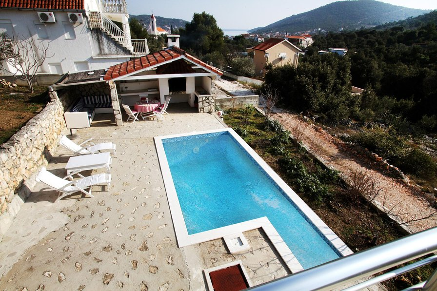 Owners abroad 2-7 September for just EUR 450 in Villa with Pool