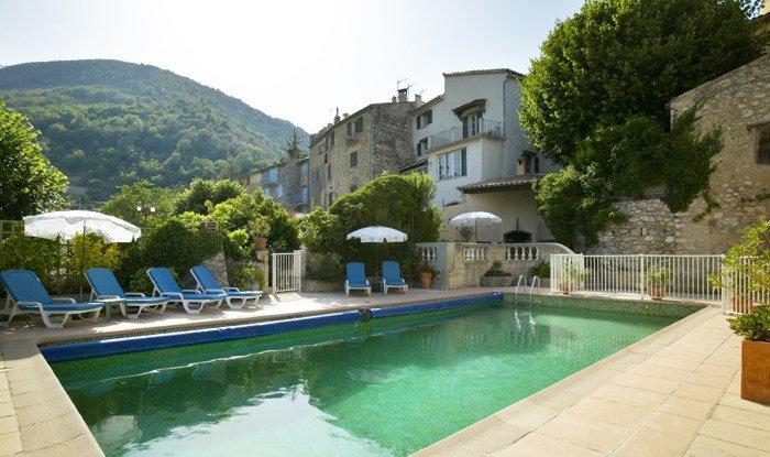 Villa in France, Cipières: The Pool