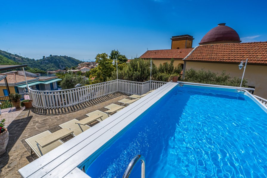Villa in Italy, Ticciano