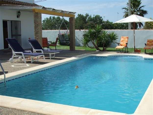 2 bed private villa only a 5 minute drive to la barrosa beach