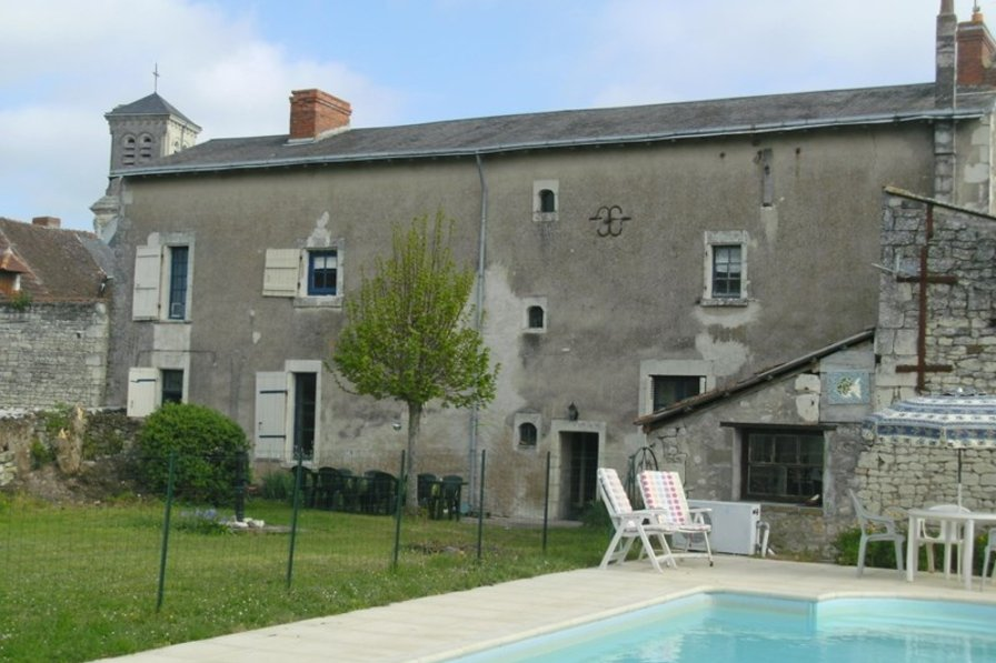 Owners abroad 5 Bedroom House with Heated Pool Sleeps 14 Loire/Vendee