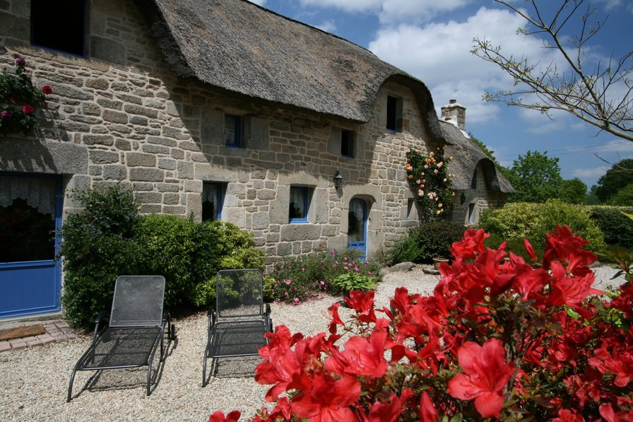 Cottage to rent in quistinic france with shared pool 133101 Cottages with swimming pools to rent