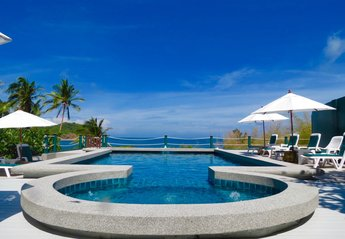 Villa in Thailand, Koh Phangan: 10m x 5m swimming pool with jacuzzi