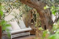 Country_house in Italy, Erice: The perfect place to relax and read a book under the pergola.