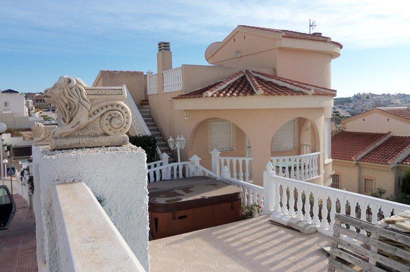 Holiday villa in Ciudad Quesada, 3 Bed 2 Bath Duplex. free Wi Fi