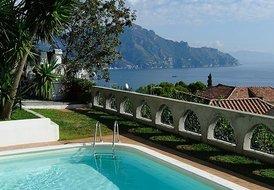 2 Bedrooms Villa with Pool set in a Lemon Garden in Amalfi