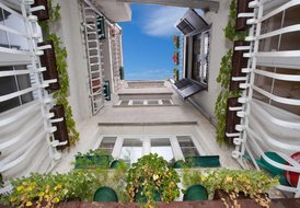 Villa on top position in old town with roof terrace and sea view