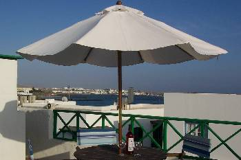 Apartment in Spain, Playa Blanca: Roof terrace: Lovely views and barbecues