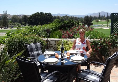 Villa in Mijas Golf, Spain: Dining on the terrace