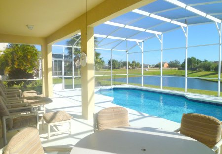 Villa in Crescent Lakes, Florida