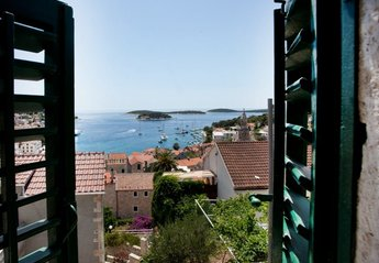 4 bedroom House for rent in Hvar