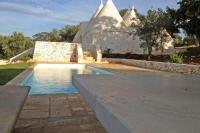 Villa in Italy, Cisternino: Picture 1 of Trullo with pool for rent