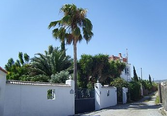 Villa in Spain, Motril: WALLED ENTRANCE, secure parking