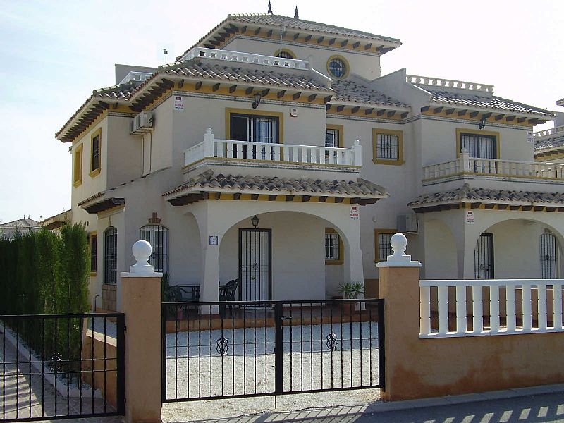 Villa in Spain, Cabo Roig: Front of Property