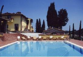 Villa Cerretello sleeps 21