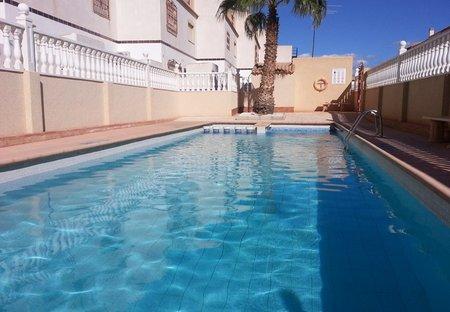 House in La Zenia, Spain: Communal pool