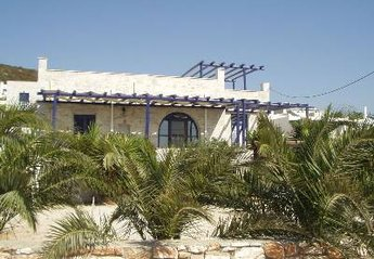 2 bedroom Villa for rent in Paros