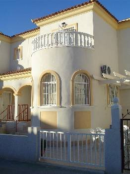 Villa in Spain, Torrevieja: Front Elevation