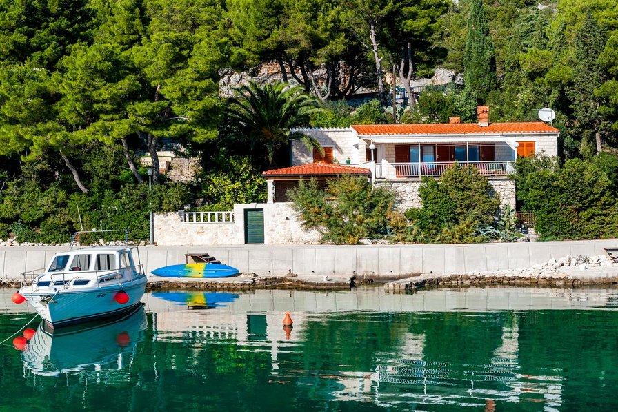 House in Croatia, Klek