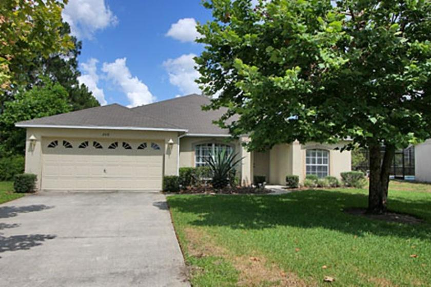 Sunridge Woods Davenport 4 bd 2 bth villa with pool and games rm