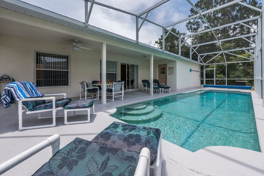 Owners abroad Fabulous 4 bed, over 2000 sq ft with free pool heat