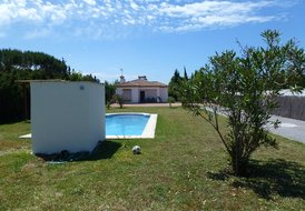 private villa set in a large garden , private pool 3 bed, 2 bth
