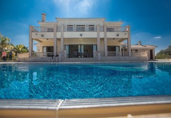 7 bedroom Villa for rent in Protaras