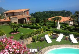 Peace and tranquility, a wonderful villa with pool near Ravello
