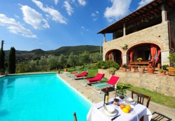 4 bedroom Villa for rent in Castiglion Fiorentino