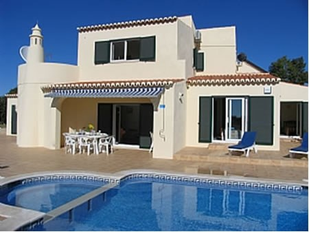 Villa in Portugal, Carvoeiro: 4 bedroom luxury villa with private heated pool and tennis court