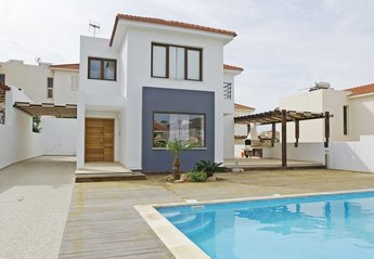 4 bedroom Villa for rent in Kapparis