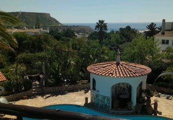 2 bedroom Villa for rent in Praia da Luz