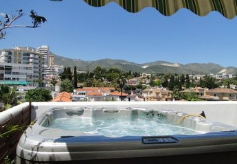 Penthouse Apartment in Spain, Benalmadena Costa: Casa Isla de Benalmadena!