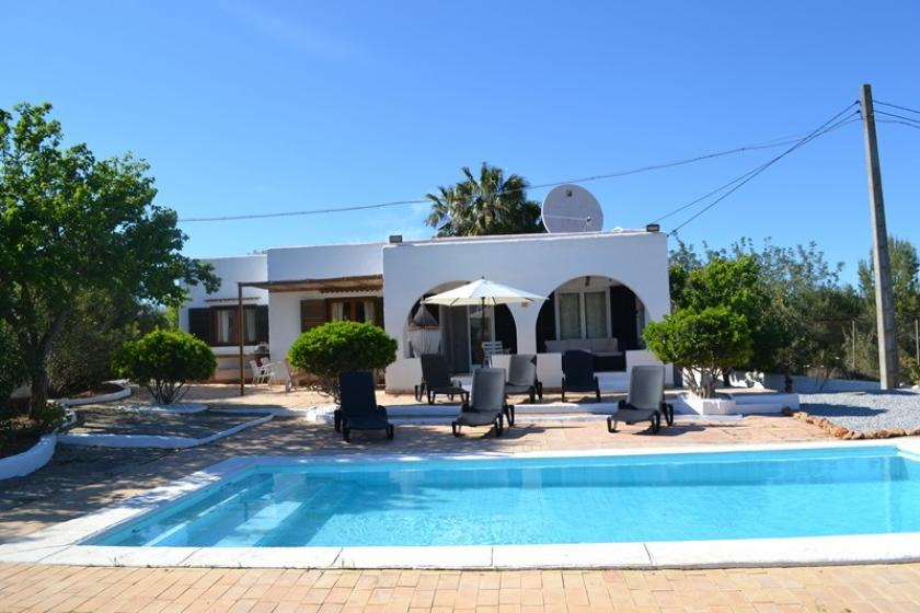 3 Bedroom Villa with Private Pool Sleeps 8, Santa Eulalia