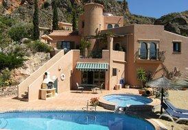 unique luxury villa in spectacular location