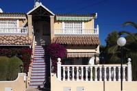 2 bedroom, first floor apartment in Lomas del Golf, Villamartin