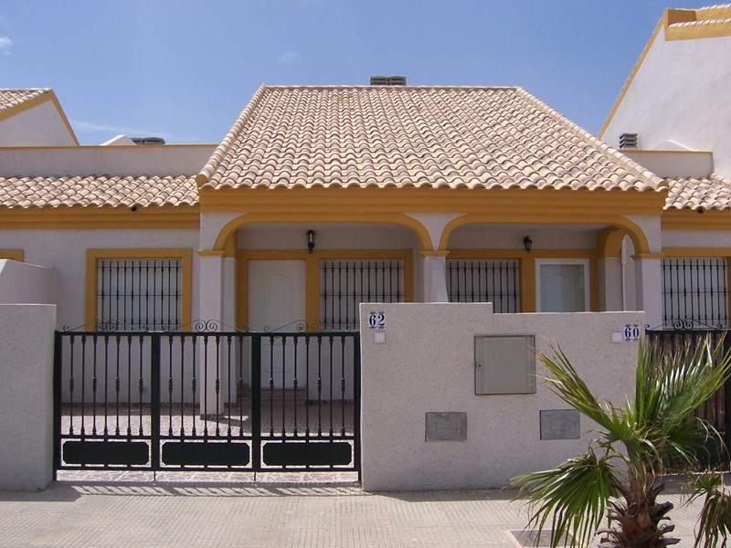 House in Spain, La Manga: House with space to park a car