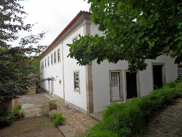 Farm house in Portugal, Perre: Main View of The House