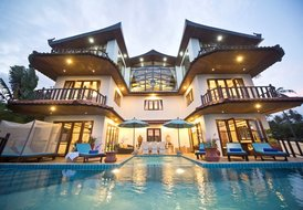 Large Grand Deluxe Majetic Royal Villa by Choeng Mon Beach
